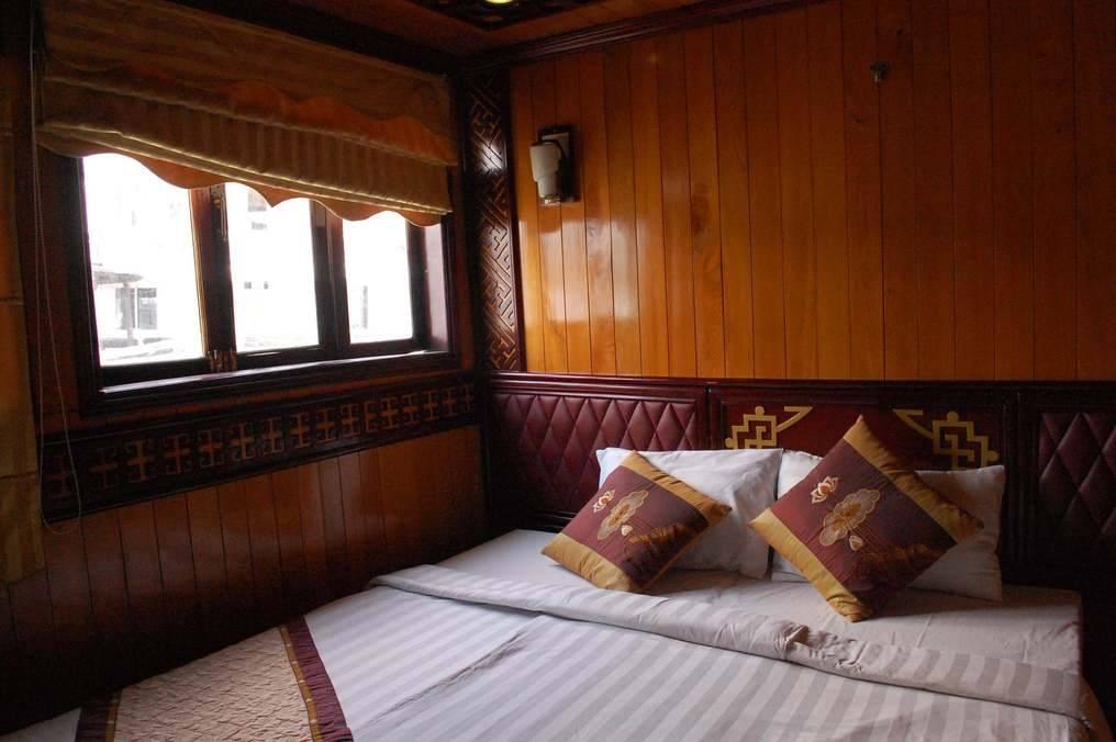 Golden Lotus Cabin