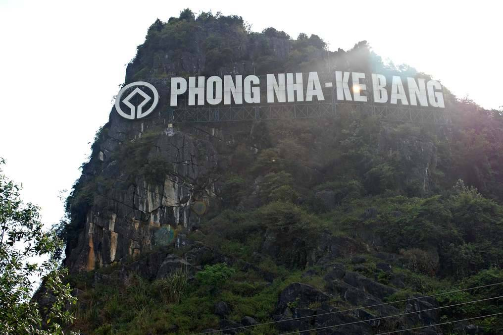 Phong Nha Ke Bang Hollywood Sign
