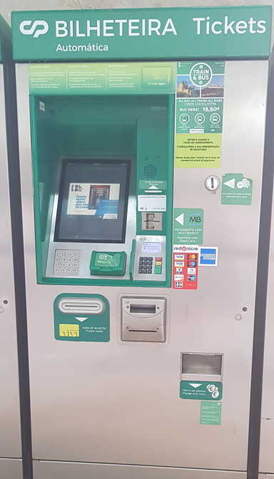Ticket Machine to use to get a ticket to Sintra