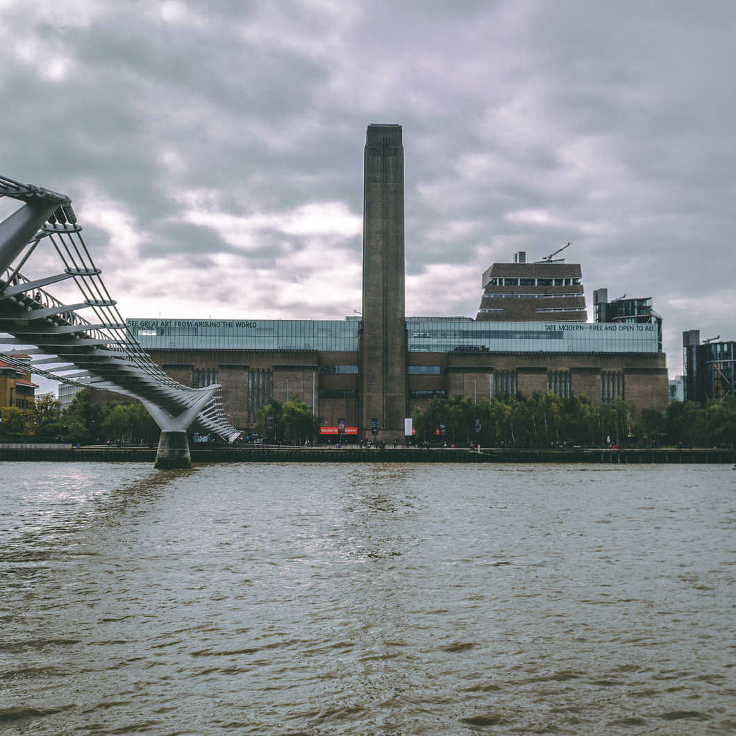 Cloudy autumn day over the Tate Modern.