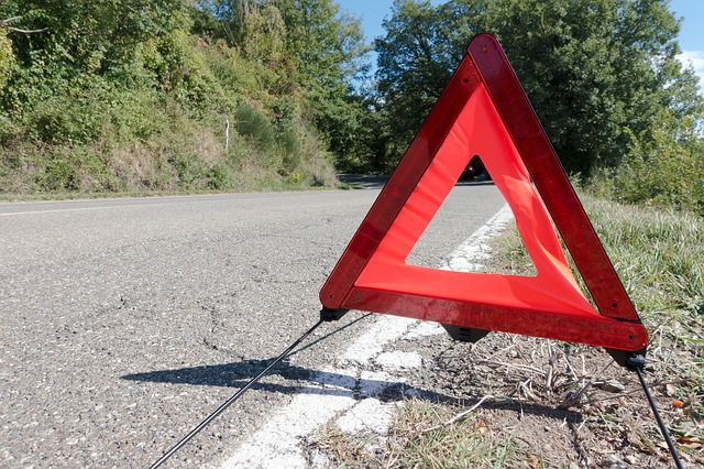 You need to carry triangles in your car when driving in Italy
