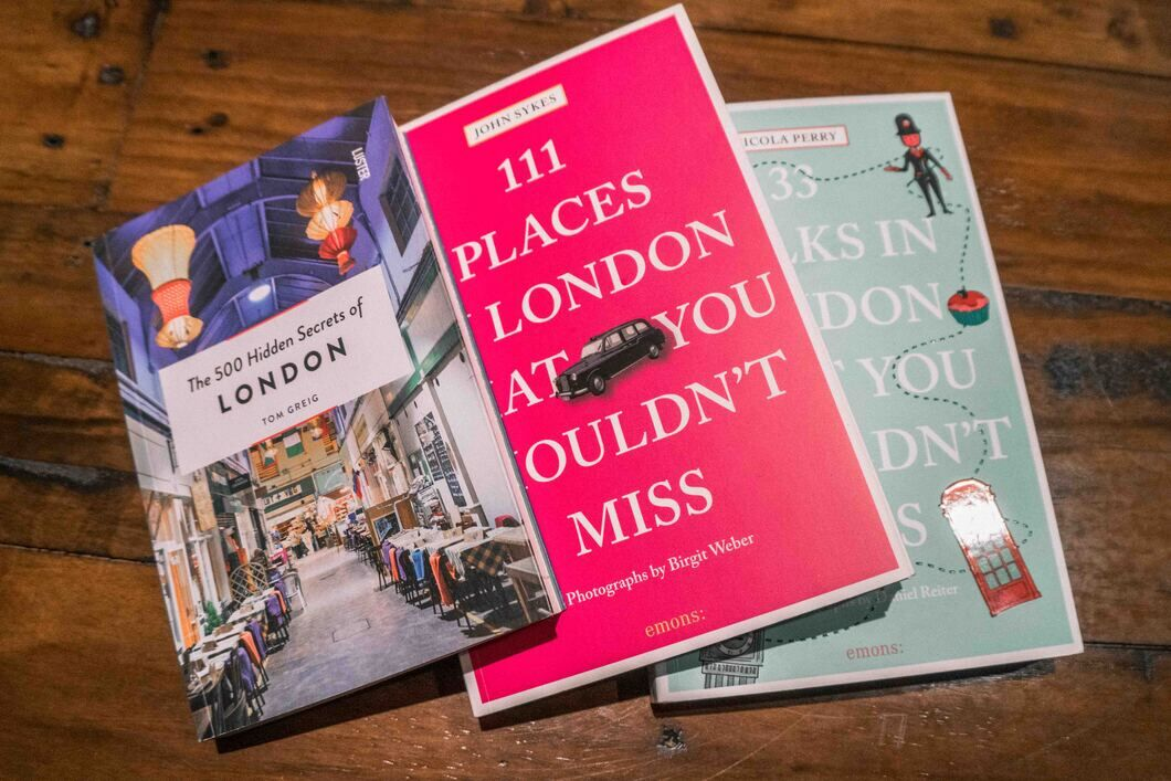A London Travel Guide so they know their way around the city.