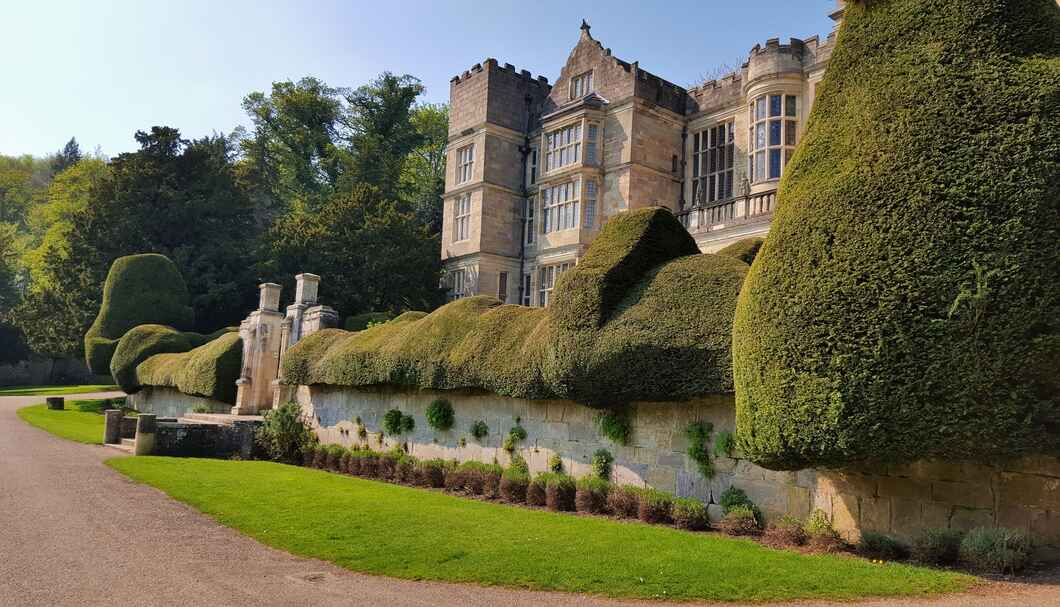 The beautiful Studley Castle makes for the perfect castle hotel.