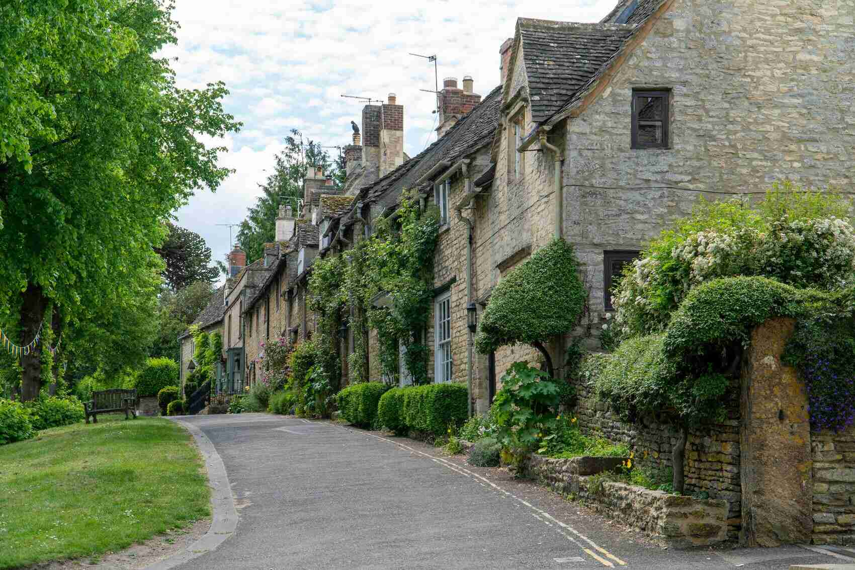 Classic Cotswolds house in Burford