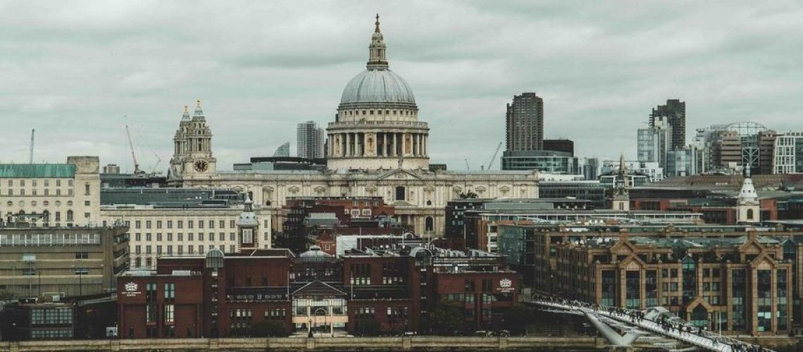 A Helpful Guide on What to Book Ahead in London by a Local